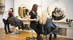 9 Benefits of Developing Mobile App For Your Salon