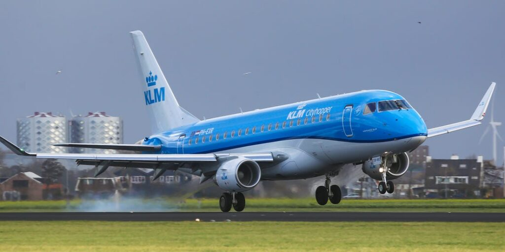 How Do I Speak to a Live Person at KLM Airlines?