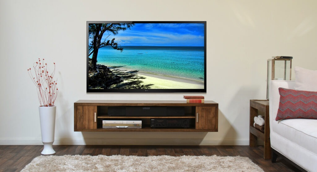 How to Mount a TV LCD by Yourself?