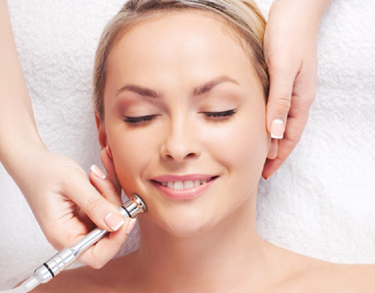 Know How To Choose The Best Dermatologist in Delhi?