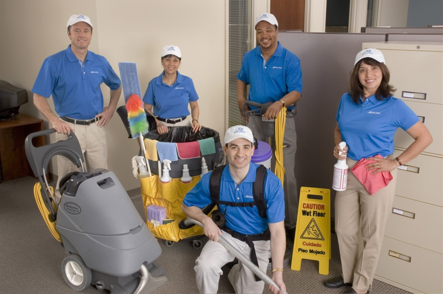 cleaning franchise, 4 Mistakes you should avoid choosing Commercial Cleaning Services!