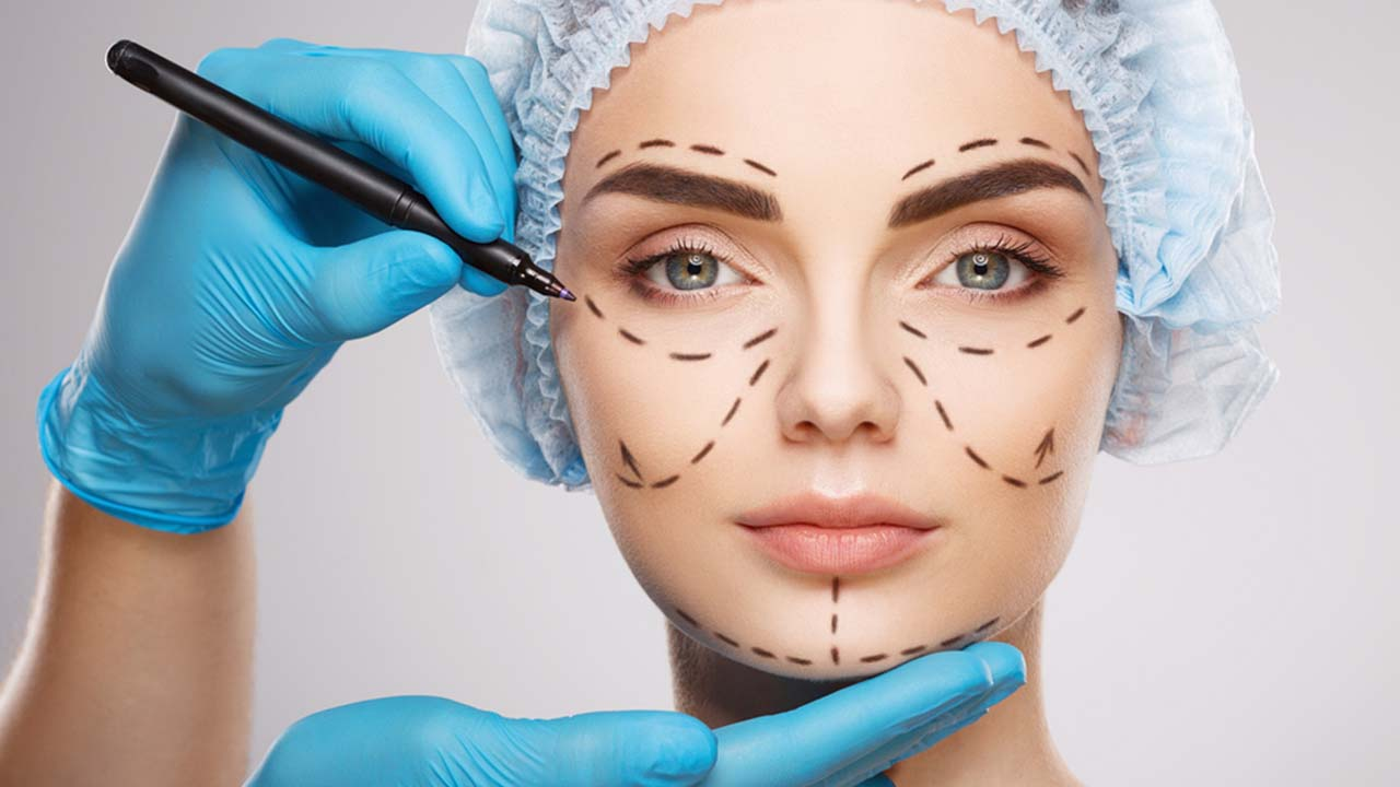 Plastic Surgery, Here's What You Need to Know Before Getting Plastic Surgery