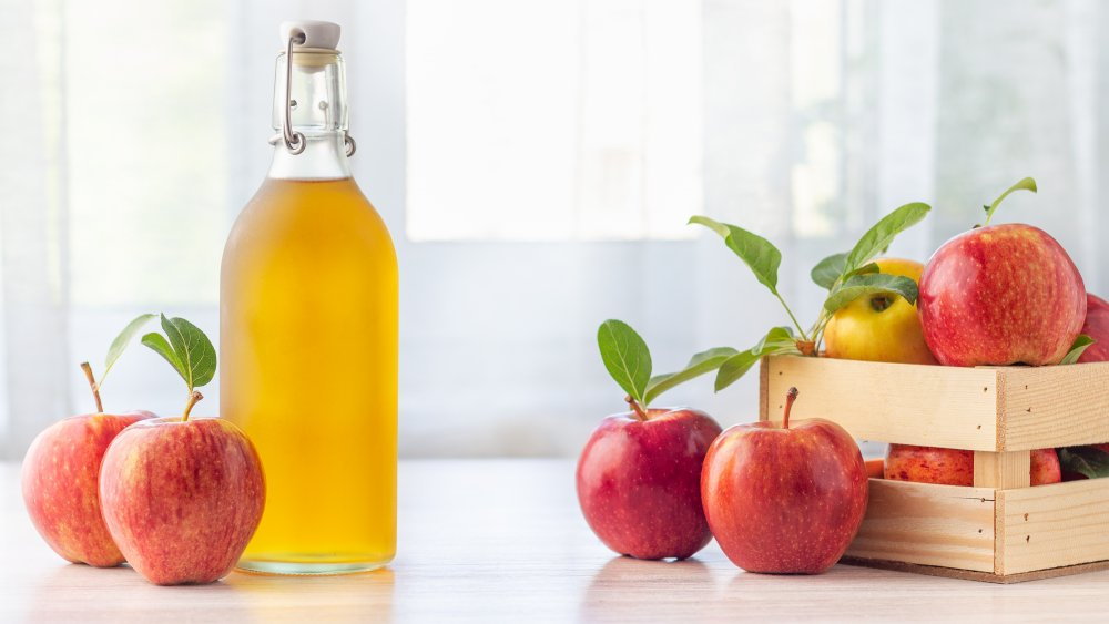 Learn How to Use Apple Cider Vinegar For Hair Without Spending Thousands