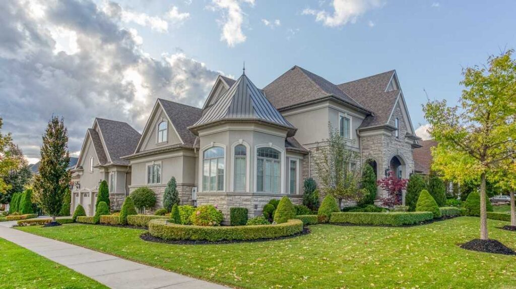 How to Find the Best House for Sale in Thornhill?