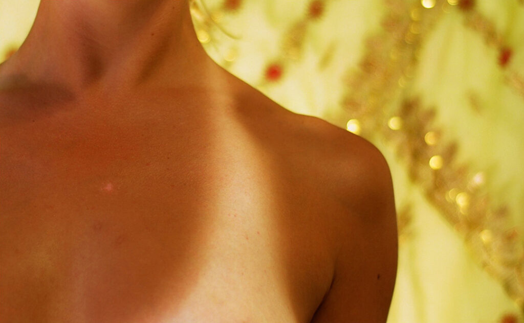 Simple Tips To Ensure Girls Can Maintain Tan on Skin For A Long Time