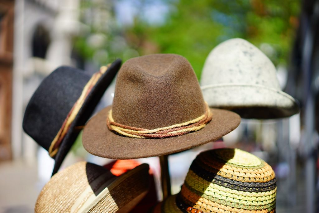 wholesale hat, What is a wholesale hat, and how to buy it?
