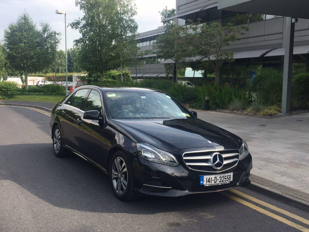 Book a Chauffeur Service London for Your Trip to London