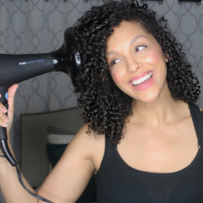 How to Use a Hair Dryer Diffusion