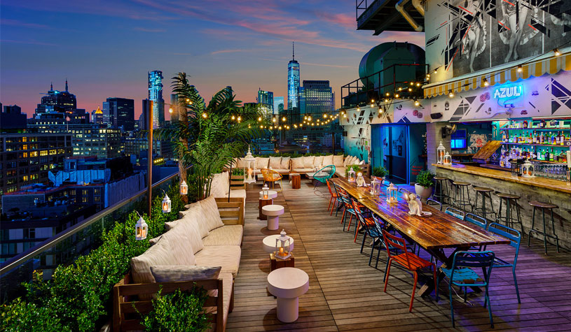7 Luxurious Rooftop Bars In New York that Are Family Friendly
