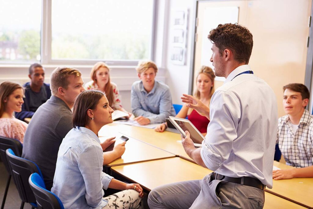 Global Custom Higher Education Market Outlook: Ken Research