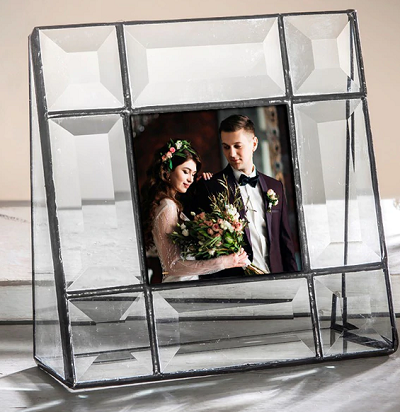 How to Pick Out the Best Picture Frames for Sale