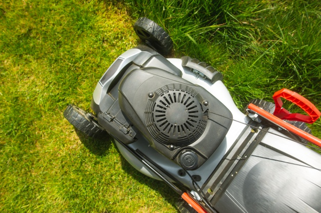 6 Tips on How To Send Your Lawn Mower for the Winter Break