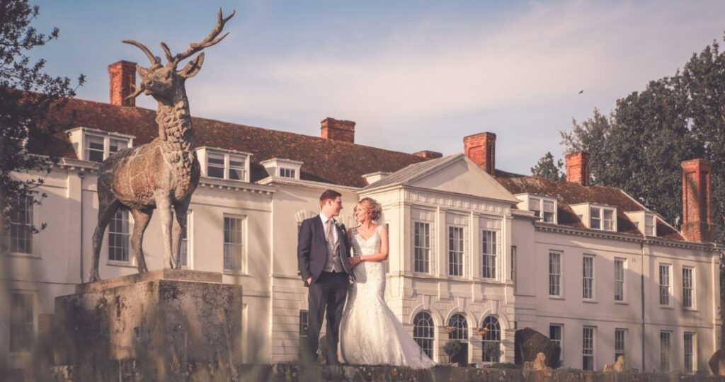 Get Top Quality Wedding Photography through a Reputed and Experienced Photographer