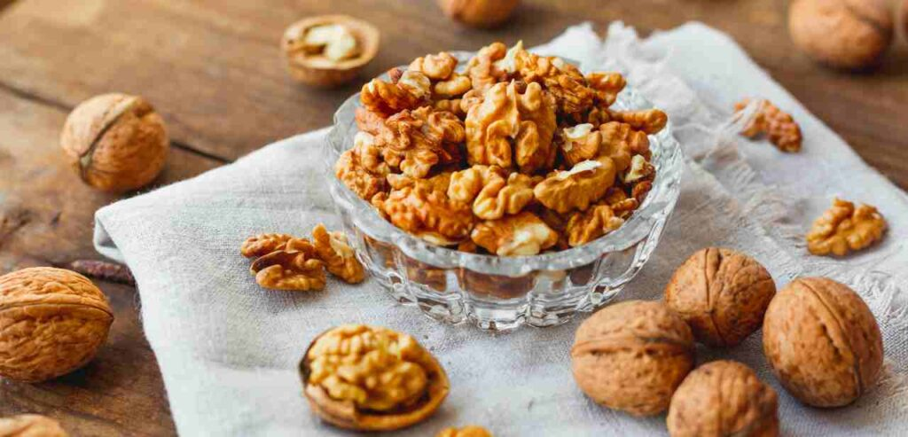 Walnuts Nutrition Facts | Nuts on an Empty Stomach, Yes or No