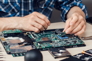 These best computer repair tips will help you alot, you can even perform them at your home an can get best results.