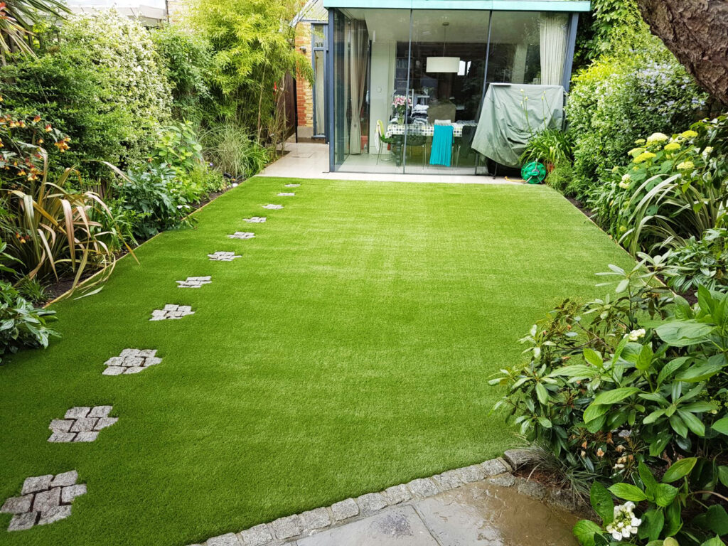 Lawn Decorating With Artificial Grass
