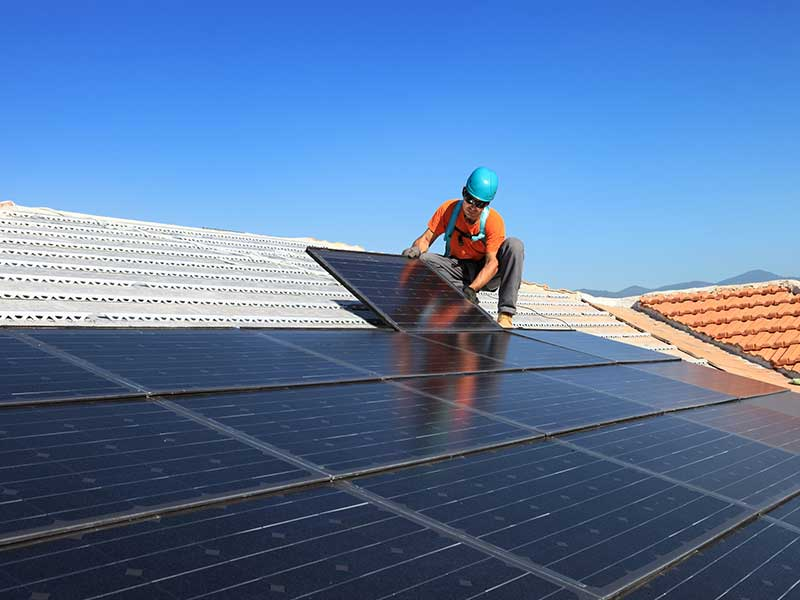 4 Tips That Will Extend The Lifetime Of Your Solar Panels