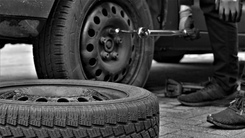 Are You a New Vehicle User? Get Acquainted with These Tyre Maint