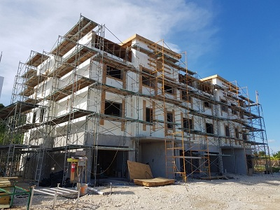 Are Cayman Islands Condos Preferable to Houses?
