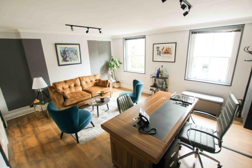 Modern Office Cabin Design Ideas Will Make You Amaze