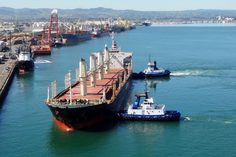 The Different Types and Uses of Barges