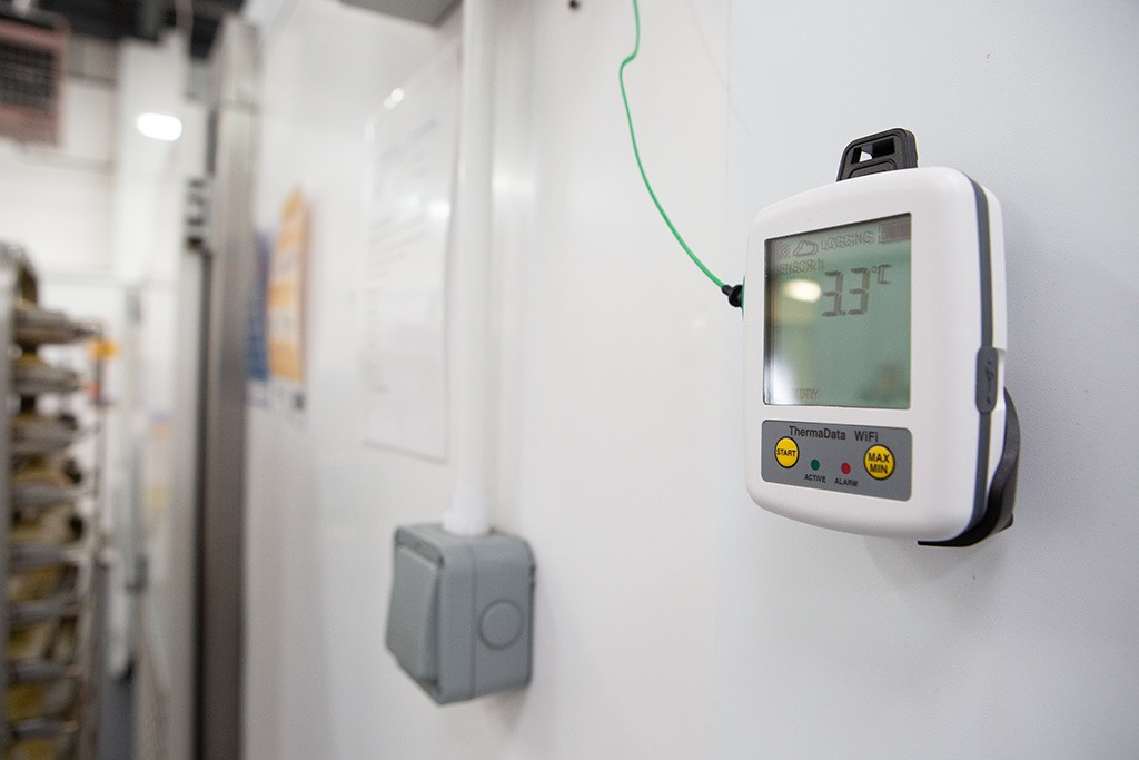 8 Tips on How to Choose the Best Temperature Data Logger for Your Business