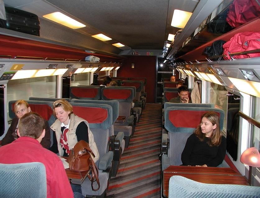 Bus to Paris From London | Travelling Way More Exciting and Affordable