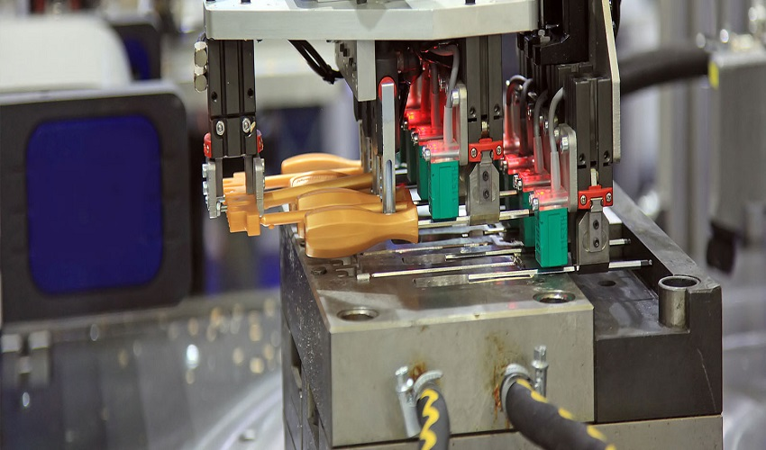 Why Did Injection Molding Call As A Modern Molding Method?