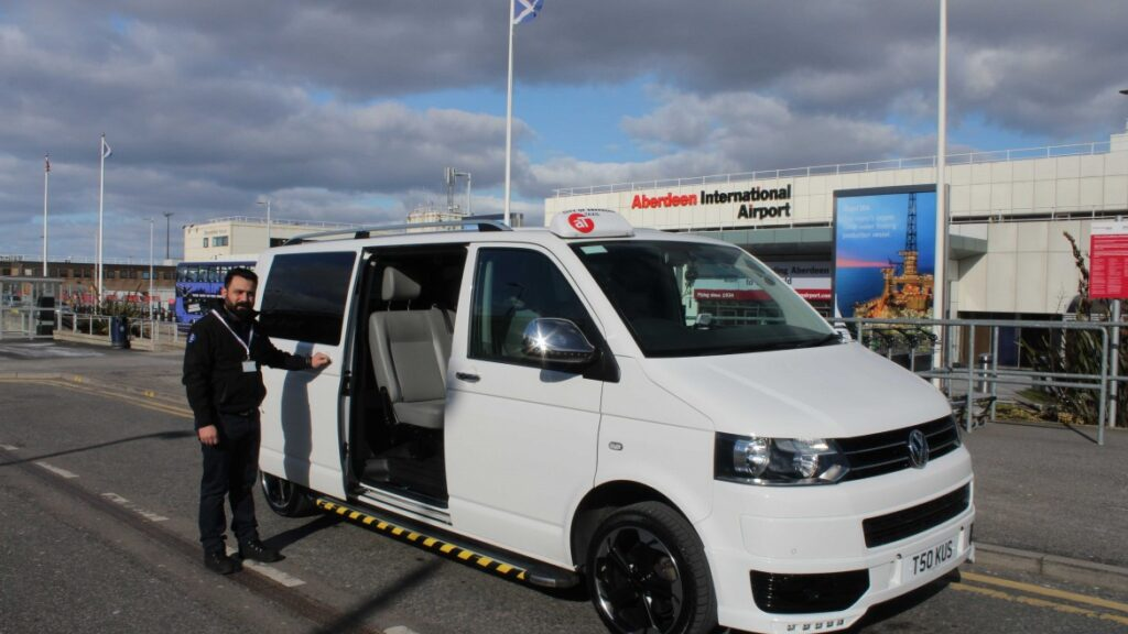 How to Hire A Taxi from Dundee To Aberdeen Airport?