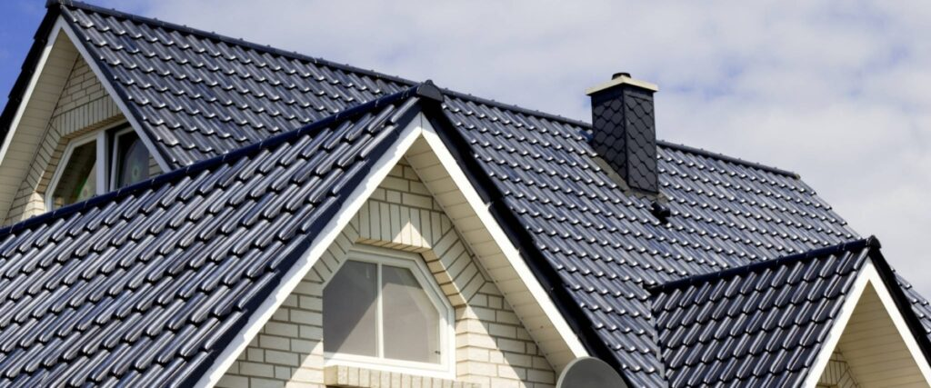 Things To Consider While Looking For a Roofing Contractor