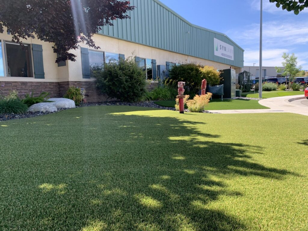What are the top benefits of artificial grass?