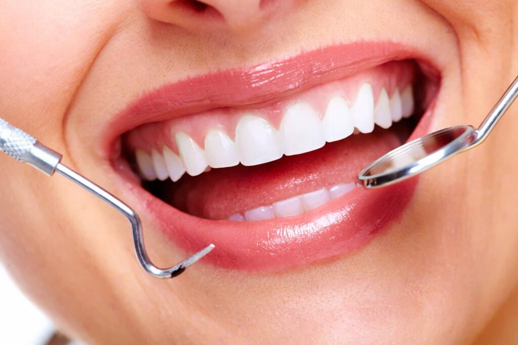 How to Deal With Braces Discomfort? Read to Find Answer