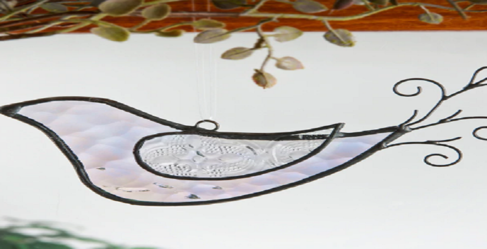 3 Reasons to Buy Stained Glass Ornaments