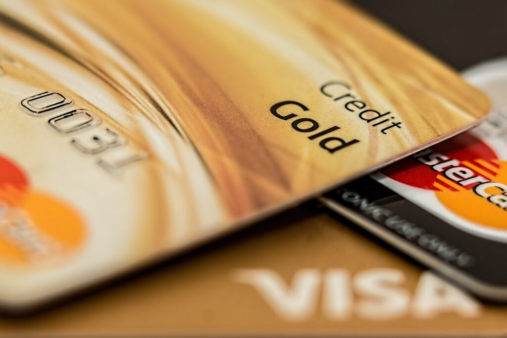 ARE YOU WONDERING WHAT TYPE OF TECHNOLOGY IS USED IN CREDIT CARDS?