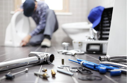 5 Advantages of Hiring a Professional Plumber