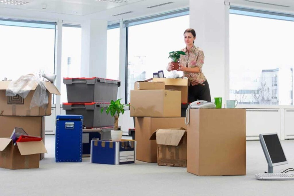 Services That You Get By Hiring The Office Removals London