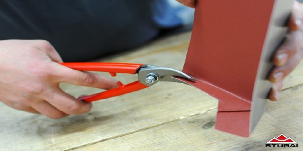 3 Manual Metal Cutting Tools Should You Own